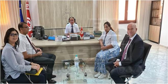 """اعلنت عن تمويل جملة من المشاريع: والي القيروان يجتمع بالرئيس المدير العام لشركة """"سوتاسيب"""""""
