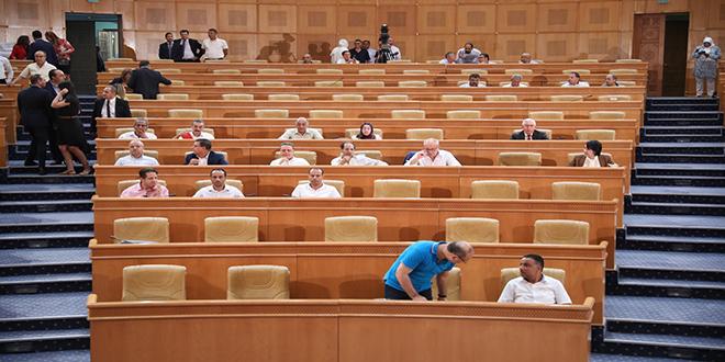 اجواء مشحونة في البرلمان ورفع الجلسة العامة