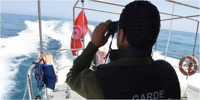 الداخلية: ضبط 16 شخصا لمحاولة اجتياز الحدود البحرية خلسة