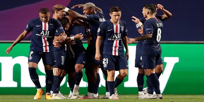 الدوري الفرنسي : باريس سان جيرمان يواجه نيم  بقائمة من الغيابات