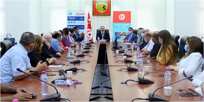 عبد اللطيف المكي يجتمع بالمديرين الجهويين للصحة