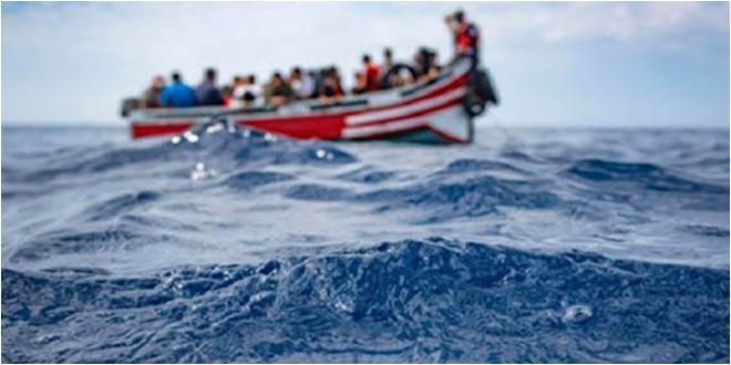 صفاقس : كانوا بصدد إجتياز الحدود البحرية خلسة.. إنقاذ 15 شخصا من الغرق
